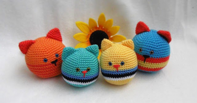 2000 Free Amigurumi Patterns: Cat stress ball