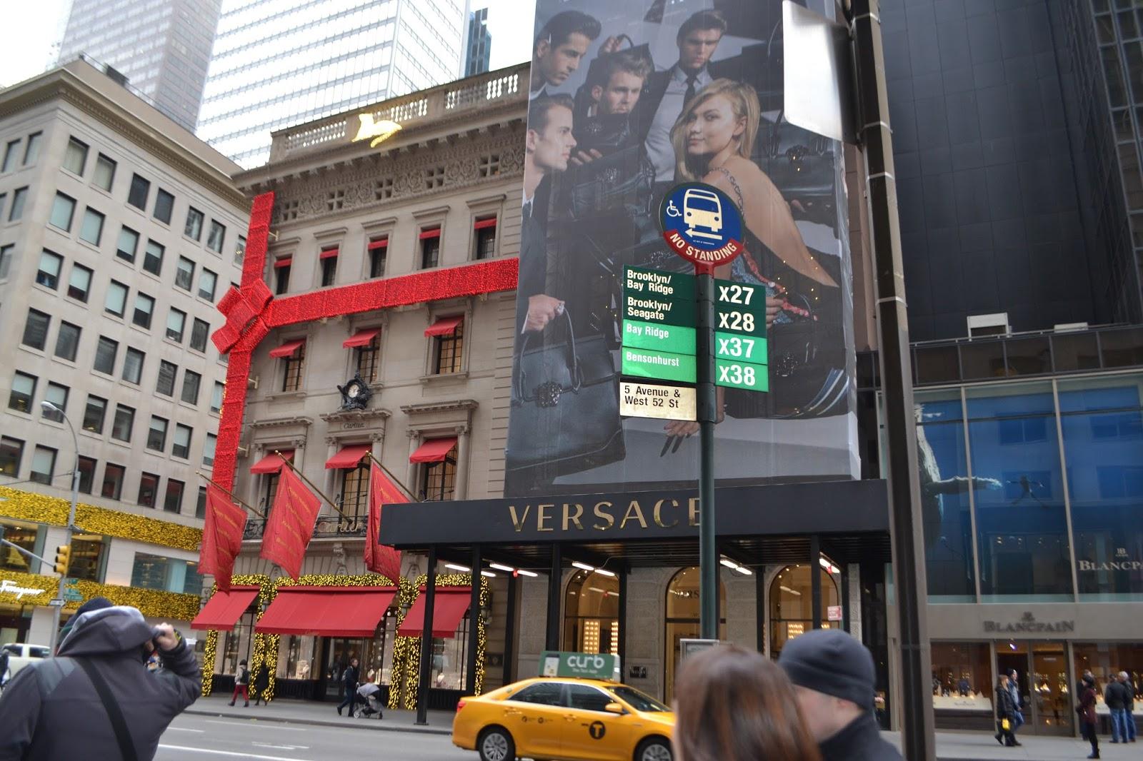 new-york-shops-at-christmas