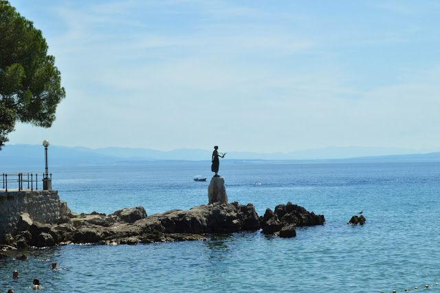 Opatija- Maiden with the seagull