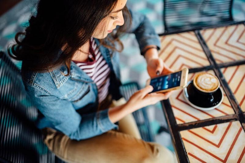 Telefona bakarken başınızın ağırlığı 20 kiloya çıkabilir!