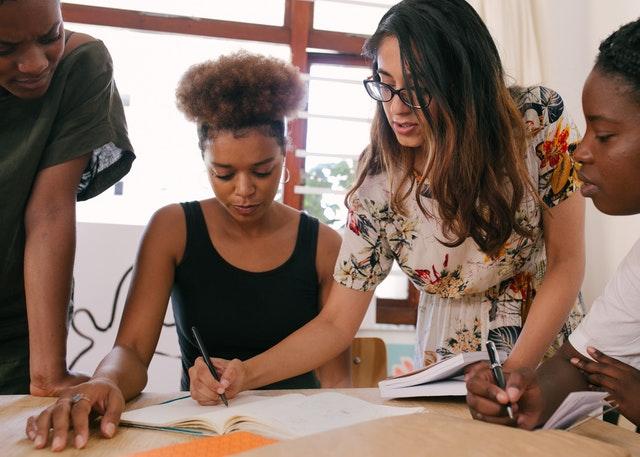 Pendaftaran merek dan Apa Itu Merek Identity dan Faedahnya untuk Perusahaan