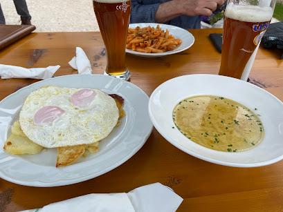 Lunch at Rifugio Firenze (also called Regensburgerhütte).