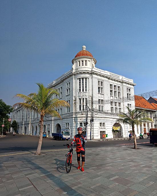 Wisata gowes bersepeda di Kota Tua Jakarta. (Dokpri)