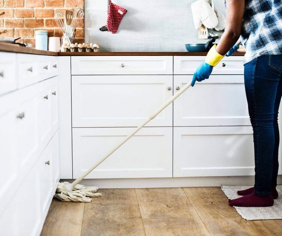 should-you-make-your-kids-do-chores-mop