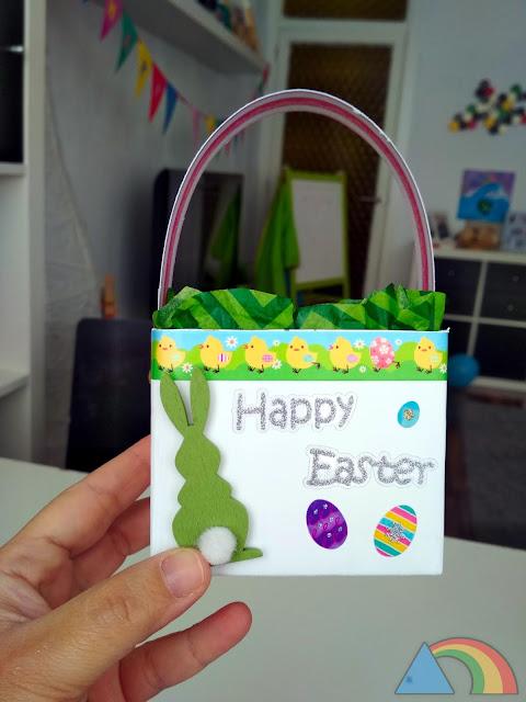 Cesta para huevos de Pascua hecha con un Tetra Brik