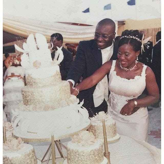 Comedian Alibaba And his Wife Celebrate Their 15th Wedding Anniversary(Photos)