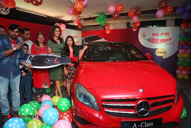 Raashi Khanna at Mirchi 95 Suno Mercedes Jeeto Contest Stills  0044