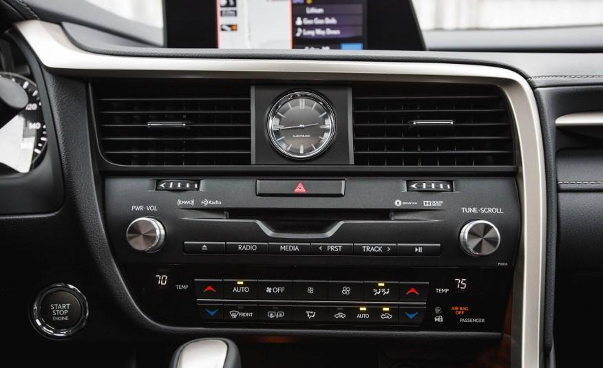 Màn hình thông minh cảm ứng, hiển thị đa thông tin và hỗ trợ lái xe cực tốt