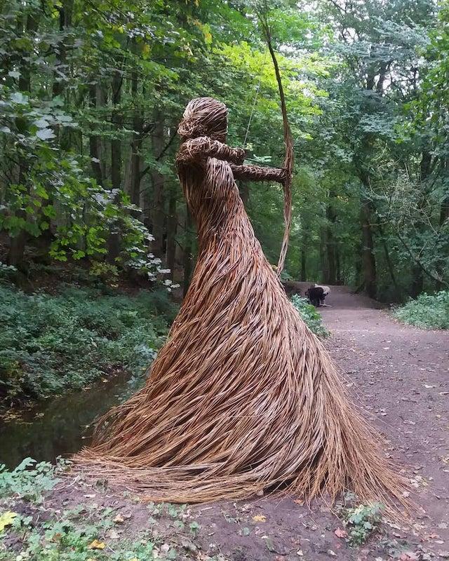 Скульптуры Anna & The Willow из плетеных ивовых прутьев