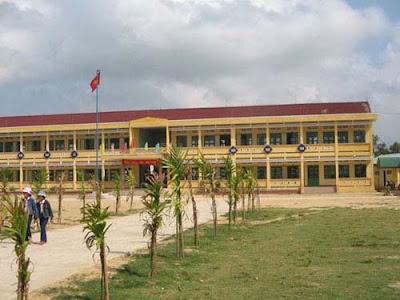 Tên công trình:  Trường Trung Học Phổ Thông.Địa chỉ: Thành phố Đà Nẵng (onduline màu đỏ)
