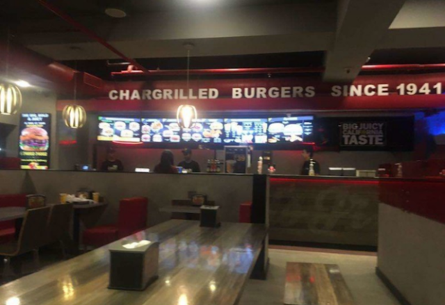 Carl's Jr., Club Road, Punjabi Bagh Extension, New Delhi Review