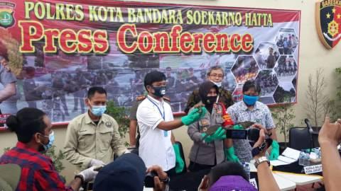 Polisi Tangkap 2 Pria Penyelundup 153 Reptil Langka Via Kargo Bandara Soetta