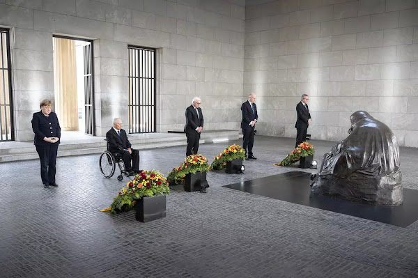 Wreath-laying ceremony of German leaders in commemoration of the end of the Second World War, May 8, 2020