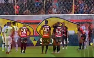 Vitória sofre para conseguir empate  com o Figueirense no Barradão