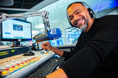 Denilson estreia nas transmissões da BandNews FM. Crédito: Jon Ricciardo