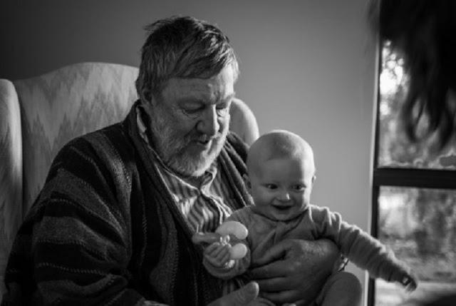 iata cum sa ii inveti pe copii sa treaca peste moartea bunicilor