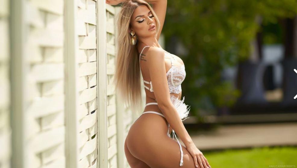 AnastasiaRoberts Model GlamourCams