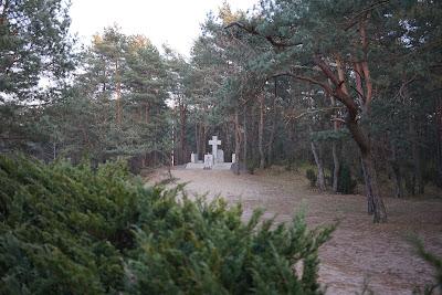 pomnik Niepodległa Rzeczpospolita Kampinoska
