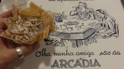 folhadinhos de ovos moles e amêndoas da Arcádia