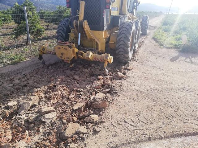 Καθαρισμός Αγροτικών Δρόμων από τον Δήμο Ναυπλιέων στον Κάμπο των Ιρίων