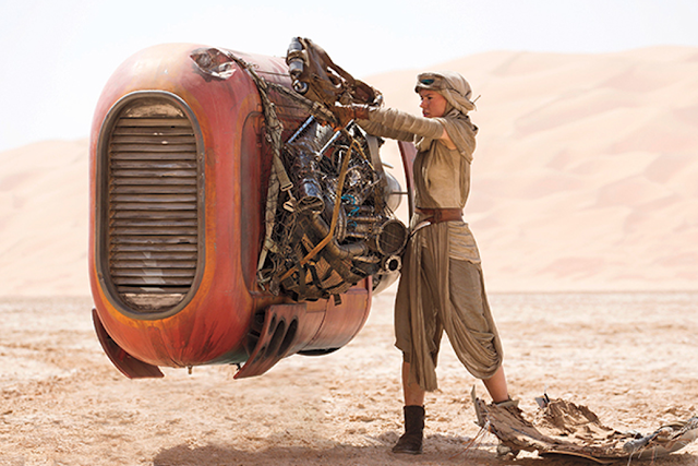 Star Wars The Force Awakens: Rey pe planeta Jakku