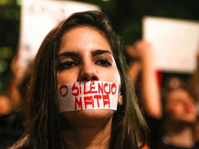 Damares e o governo Bolsonaro erram feio! Mulher quando fala é que incomoda e por isso não podemos nos calar