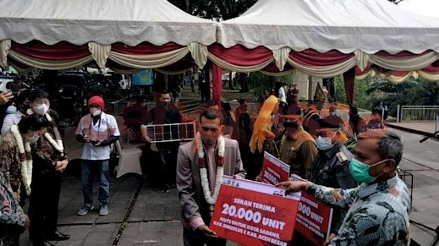 PT. Imza Risky Jaya Group Hibah 20.000 unit PJU TS untuk Tiga Daerah di Aceh