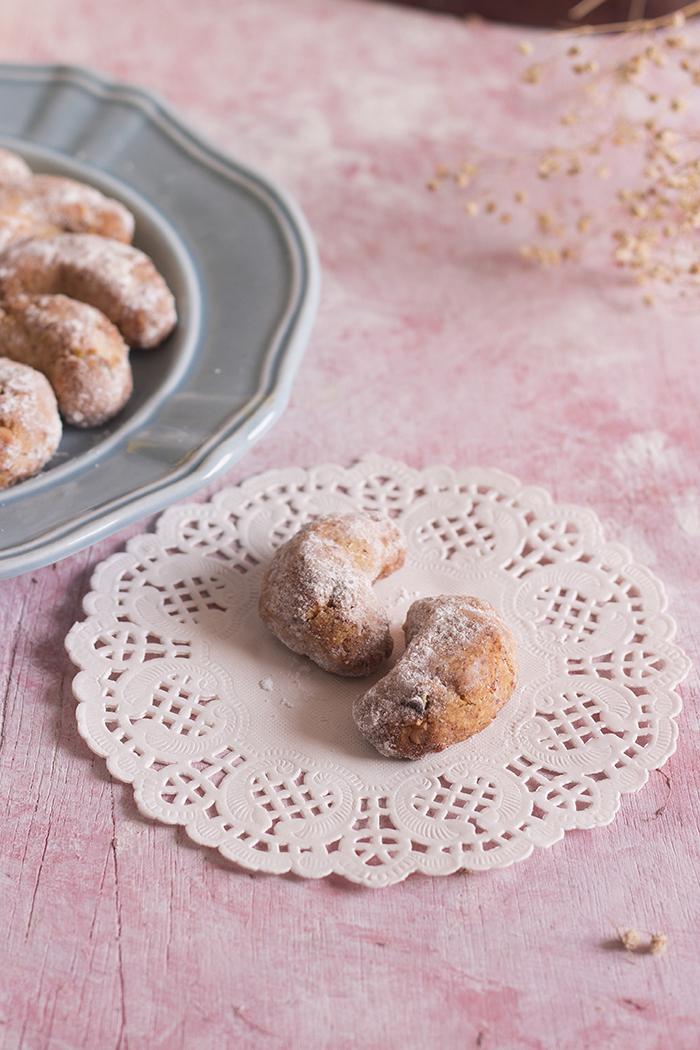 gluten free eggless almond flour cookies