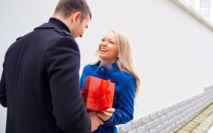 Romantic Birthday Gift Ideas for Girlfriend