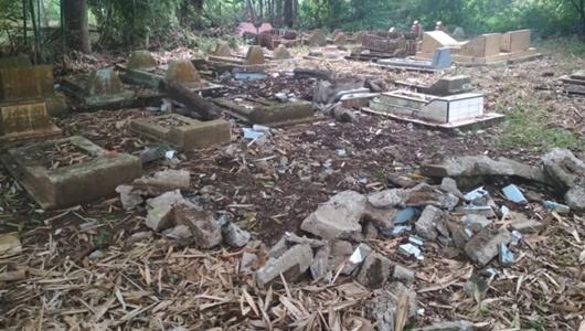 Caleg Gerindra Bongkar 4 Makam Keluarga Kerabat yang Tak Mendukungnya