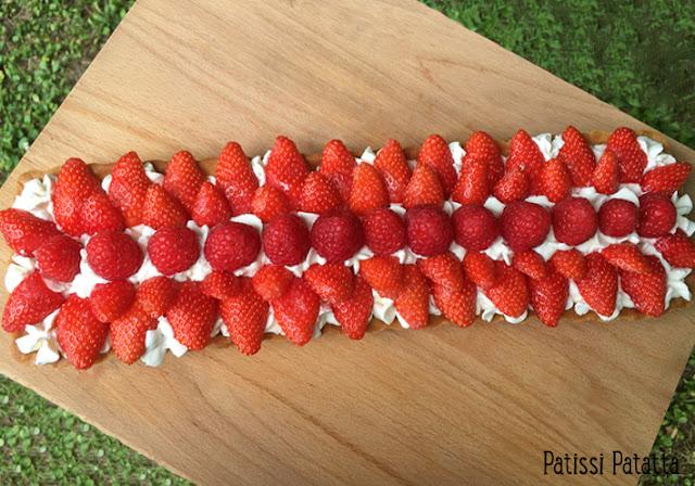 recette de tarte fraises framboises, tarte amande fraises et framboises, tarte d'été, pâtisserie, crème d'amande, pâte sablée maison, fraises et framboises, dessert, patissi-patatta