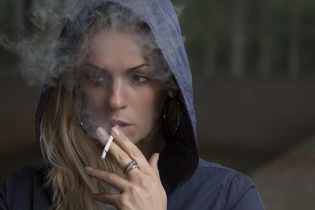 Quit Smoking: 5 Ways to Resist the Urge to Smoke