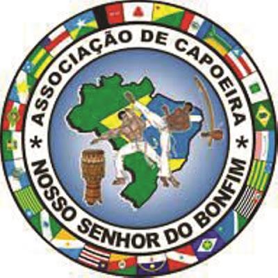 Associação Cultural e Desportiva de Capoeira Nosso Senhor do Bonfim Filhos de Cananéia ministra aulas para crianças e adultos