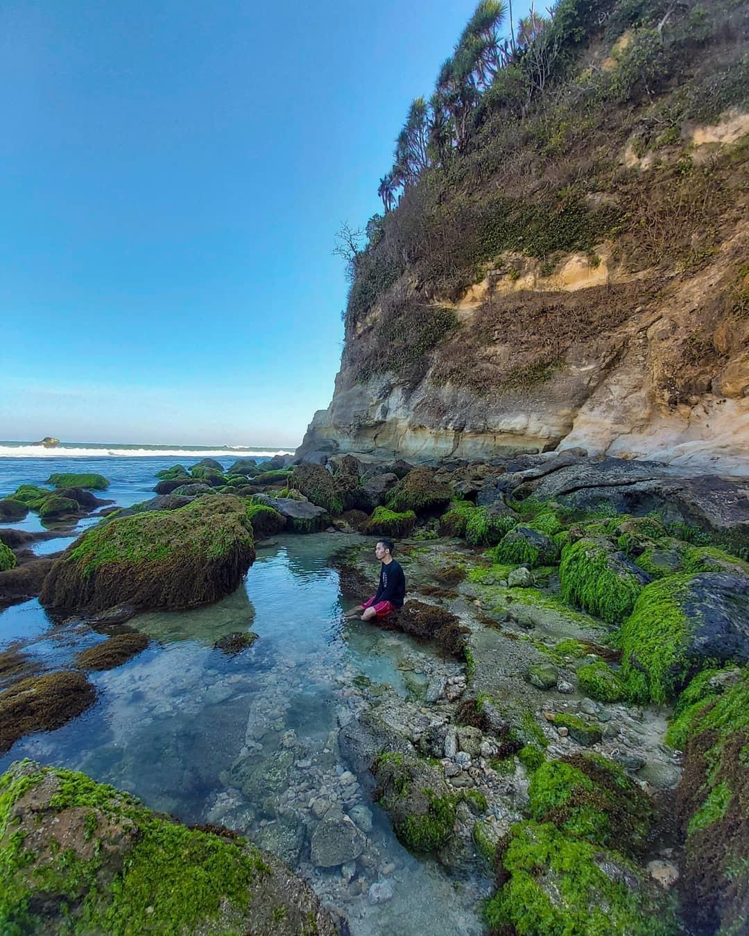 Gambar Pantai Nampu