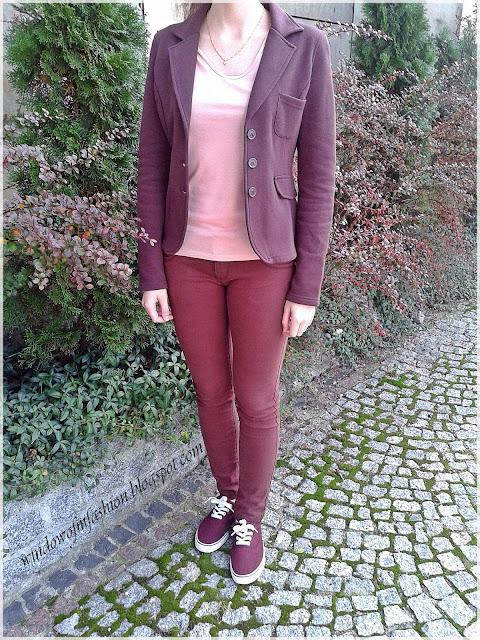 All burgundy look