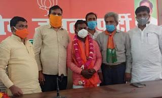 हफ्तों से नाराज दिनेश रावत सैकड़ों समर्थकों के साथ सपा छोड़कर भाजपा में हुए शामिल