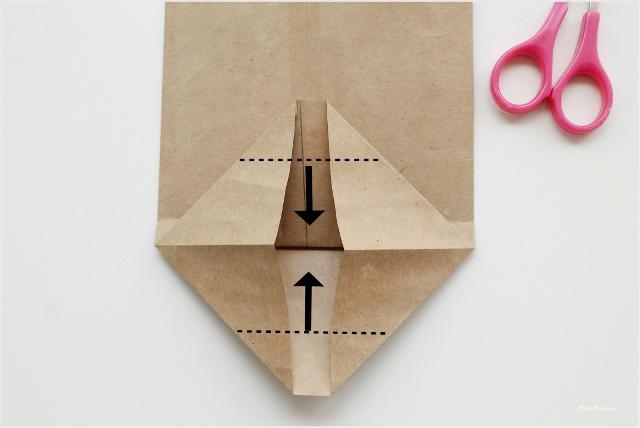 como-hacer-sobres-papel-diy-envolver-regalos-primera-comunion-paso-5