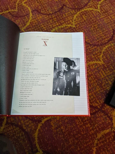 Prime Imagem Madonna Madame X Tour Vip Book Spiritservingveterans Wood Chair Design Ideas Spiritservingveteransorg