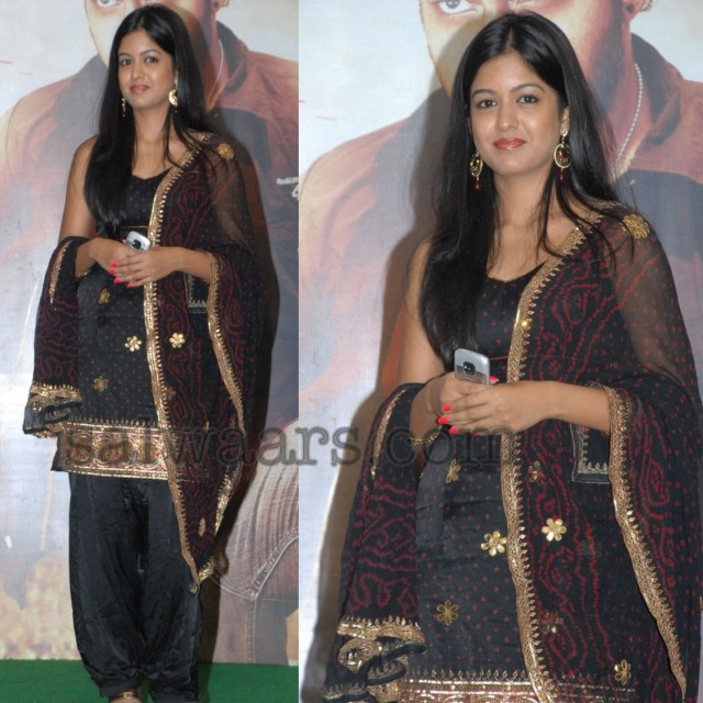 ishita-dutta-salwar-suit-Inspiration-looks-and-outfits