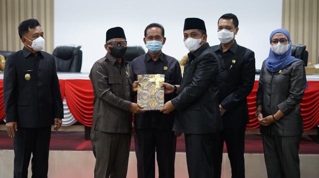 DPRD Kepulauan Meranti Laksanakan Rapat Paripurna Tentang Laporan Akhir Ranperda Ripparkab
