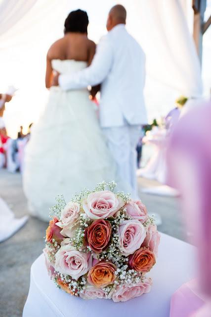 mariage Guadeloupe créole beach bouquet de fleurs