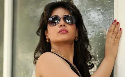 hydrabadi model actress zara khan