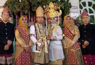 Pernikahan Adat Lampung Melinting