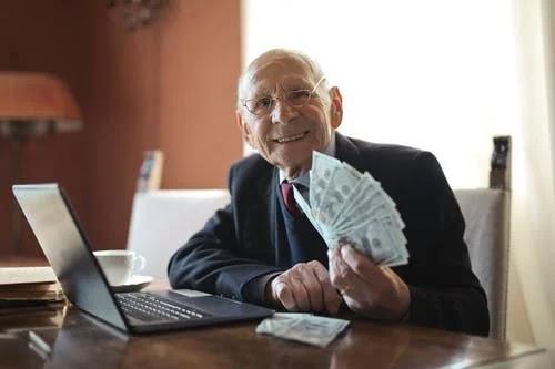 أفضل شركات استثمار الأموال الموثوقة على الإنترنت