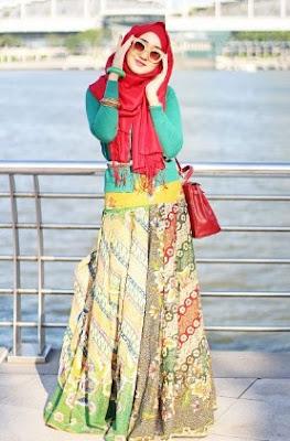 Model baju casual hijab kombinasi rok batik panjang