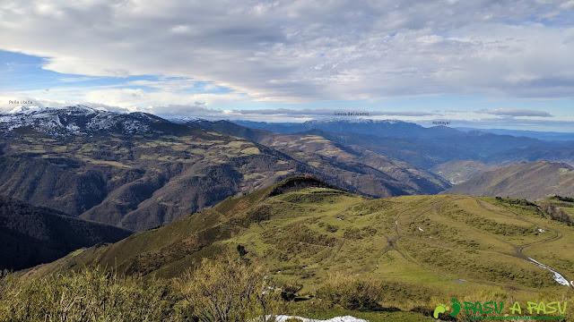 Vista desde el Alto de la Tejera hacia Ubiña y el Aramo