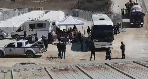 «Μένουμε σπίτι» και συνεχώς καταφθάνουν λεωφορεία με μετανάστες στο Σιδηρόκαστρο Σερρών εν μέσω «Πανδημίας» (Video)