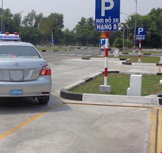 Ghép xe vào nơi đỗ theo chiều dọc