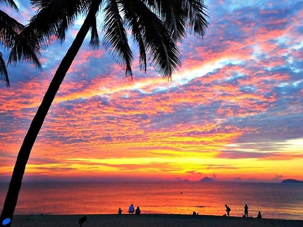 Ngắm nhìn hoàng hôn, bình minh trên biển tại Phú Quốc