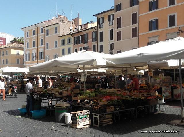 plazas y mercados en Roma